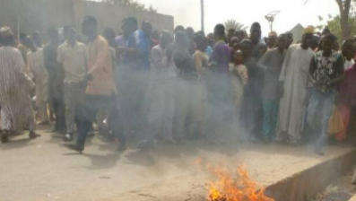 Suspected Motorcycle Thief Burnt To Death In Kebbi By Angry Mob (GRAPHIC PHOTOS)