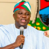 Governor Ambode Distributes 1500 Life Jackets To Ferry Operators In Lagos