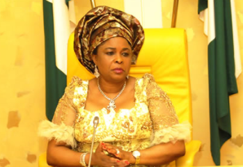 https://www.mojidelano.com/2018/02/lets-settle-out-of-court-patience-jonathan-begs-efcc/