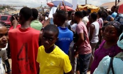 Exclusive Photos: Fight Breaks Out Between Shop Owners And Armed Policemen At Kapda Market In Nasarawa State