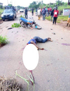 Decapitated Body Of A Woman Found In The Middle Of The Road In Delta State (Graphic Photos)