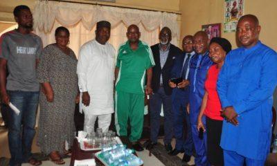 Photos: Femi Otedola Fulfills Promise, Donates $50,000 Ex Super Eagles Coach Christian Chukwu