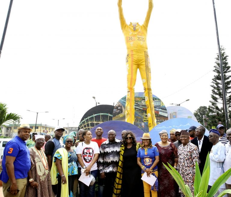Fela's statue during inauguration at Allen Roundabout, Ikeja, Lagos