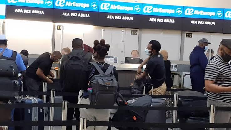 FG Approves Last Evacuation Flight From US