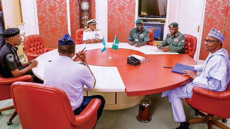 Buhari and service chiefs